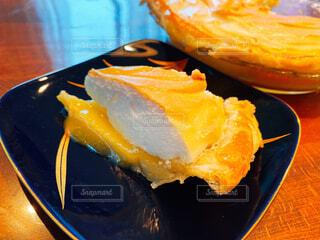 食べ物,ケーキ,デザート,テーブル,皿,リラックス,おいしい,おうちカフェ,おうち,菓子,ライフスタイル,おうち時間,レモンスフレ