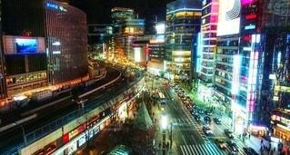 華やかな銀座駅前の写真・画像素材[2726037]