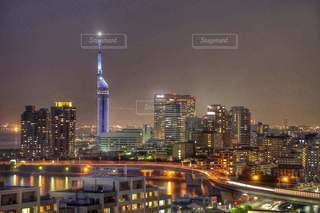 夜の街の眺めの写真・画像素材[2720467]