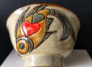 魚,かわいい,沖縄,ハート,ハートマーク,食器,器,ラブ,陶器,キュート,やちむん,焼き物,ハート魚,赤ハート