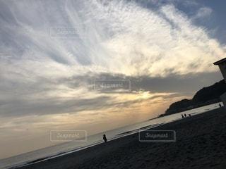 自然,海,空,屋外,ビーチ,雲,綺麗,水面,海岸,景色,夕陽,くもり,由比ヶ浜