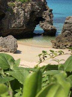 海,夏,屋外,晴天,砂浜,海岸,ハート,岩,宮古島,草木,日中,ハート岩