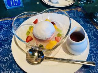 スイーツ,カフェ,白,白い,デザート,フルーツ,果物,皿,ハート,可愛い,甘い,おいしい,美味しい,ゼリー,フルーツポンチ,綿あめ,わたあめ,綿飴,ハートの皿
