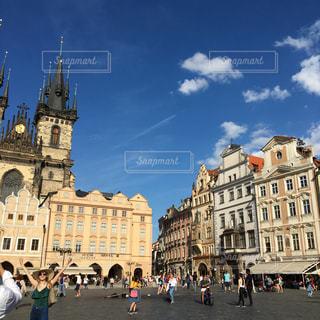 空,建物,夏,街角,屋外,海外,雲,青空,散歩,時計,ヨーロッパ,街,タワー,人物,旅行,広場,プラハ,初夏,チェコ,お散歩,旧市街,おでかけ,おしゃれ,街歩き,旧市街広場