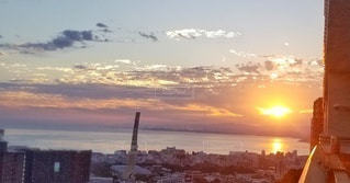 空,太陽,朝日,雲,水面,光,日の出,サンライズ