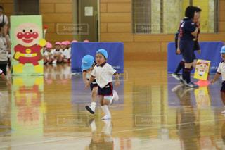 幼稚園の運動会の写真・画像素材[2501458]