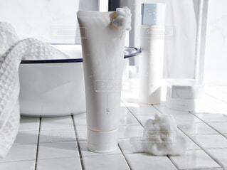 バスルーム,屋内,ボトル,化粧品,洗顔,スキンケア,保湿,洗面台,タイル張り,肌のケア,オルビスユー