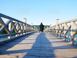 女性,1人,風景,空,橋,屋外,散歩,人,お出かけ