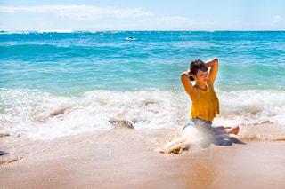 女性,海,スポーツ,海水浴,屋外,ビーチ,水着,リラックス,浜辺,健康,運動,イエロー,リゾート,ビキニ,ダイエット,健康管理,減量