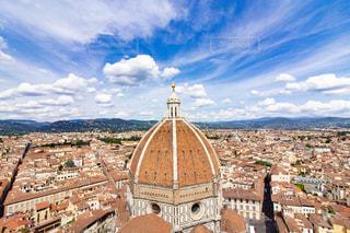 イタリア(フィレンツェ)の高台からの景色(サンタマリアデルフィオーレ)の写真・画像素材[2473226]