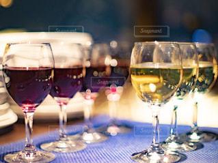 赤,白,結婚式,ワイン,グラス,乾杯,ドリンク,パーティー,赤ワイン,白ワイン,二次会