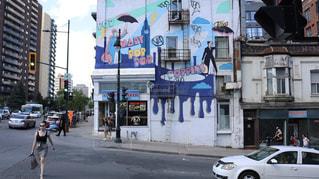 にぎやかな街の通りのクローズアップの写真・画像素材[2271702]