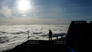 富士山吉田ルート 登山道から望む雲海の写真・画像素材[2285227]