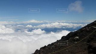 富士山吉田ルート 登山道から望む雲海の写真・画像素材[2285230]