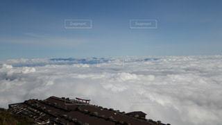 富士山吉田ルート 登山道から望む雲海の写真・画像素材[2285232]