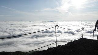富士山吉田ルート 登山道から望む雲海の写真・画像素材[2285233]