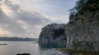 早朝の海の写真・画像素材[2356327]