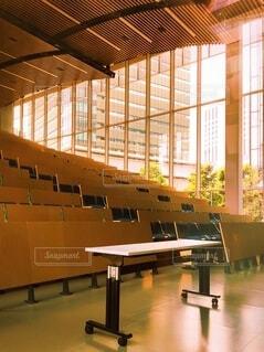 誰もいない大学の講義室の写真・画像素材[4632379]