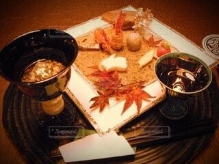 テーブルの上に一皿は秋の味覚の写真・画像素材[4771087]