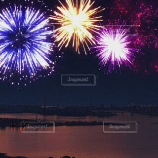 風景,海,空,夜空,カラフル,綺麗,花火,船,水面,花火大会,美しい,癒し,港,japan,光る,みなとみらい,color,風物詩,ショート,打ち上げ花火,夏祭り,横浜港,動画,HANABI,光景,華火,ムービー