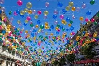 カラフルな風船の写真・画像素材[2592301]