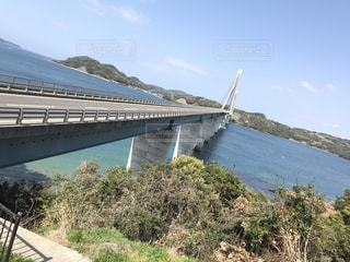 水域に架かる橋の写真・画像素材[2340712]