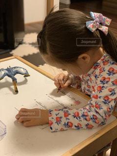 算数をやっている女の子の写真・画像素材[3172106]