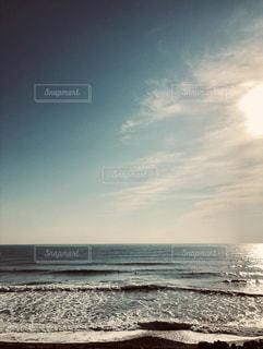 海に隣接する砂浜の写真・画像素材[2261135]