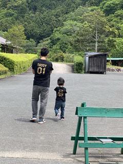 親子の散歩の写真・画像素材[2262165]