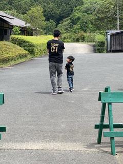 パパと散歩の写真・画像素材[2292350]