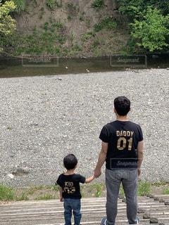 川でポーズの写真・画像素材[2617269]