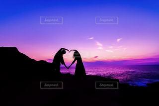 恋人,自然,海,空,カップル,青,夕焼け,夕暮れ,紫,景色,シルエット,ハート,マーク,淡い