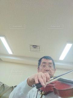 自撮り,演奏,練習,ヴァイオリン,弦楽器
