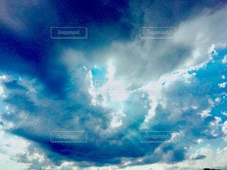 天使のはしごの写真・画像素材[2441877]
