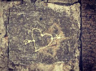 ホノルルの石垣にハートの落書きの写真・画像素材[2276856]