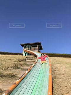 空の滑り台の写真・画像素材[2280094]