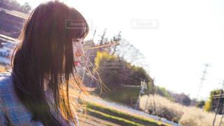 女性,恋人,1人,空,公園,夕日,屋外,哀愁,光,レトロ,人,ナチュラル,フィルム,雰囲気,自然光,フィルム写真,フィルムフォト