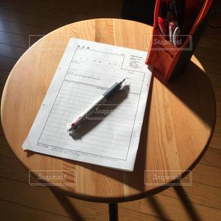 テーブルの上の履歴書の写真・画像素材[2884793]
