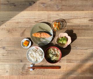 鮭の塩焼き定食の写真・画像素材[3230156]