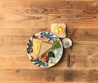 食べ物,カフェ,食事,ランチ,フォーク,テーブル,スプーン,皿,リラックス,食器,健康,朝ごはん,和食,おうちカフェ,ドリンク,木目,lunch,おうち,ライフスタイル,常備菜,お昼ごはん,調理器具,大皿,テキスト,作り置き,一汁三菜,コーヒー カップ,おうち時間,受け皿