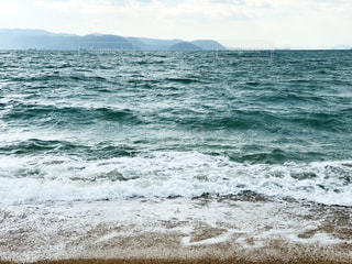 海に隣接する砂浜の写真・画像素材[2330714]