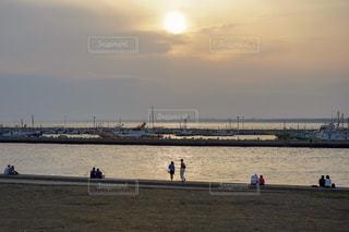 江ノ島の夕陽の写真・画像素材[2329622]