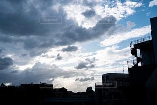 台風の前の空の写真・画像素材[2428826]