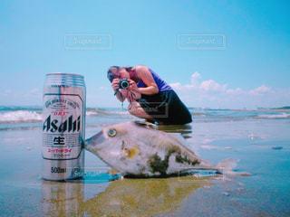 女性,自然,海,公園,カメラ,自撮り,魚,砂浜,海辺,散歩,写真,ビール,休日,レジャー,野外,一眼,アサヒ,アサヒビール,面白い写真,自撮,自撮りフォト,休日の一コマ,自分の写真
