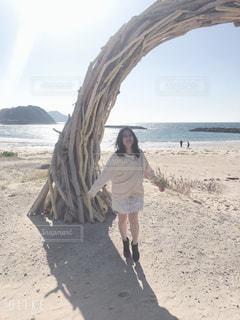 女性,自然,風景,空,太陽,晴れ,散歩,景色,光,人物,人,笑顔