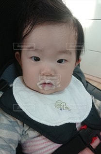 子ども,家族,1人,屋内,女の子,赤ちゃん,可愛い,泡,誕生日,ホイップクリーム,1歳,ヒゲ,バブル,もこもこ,口ひげ,泡ヒゲ