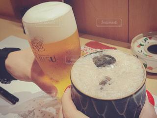 女性,男性,20代,お酒,人物,人,グラス,ビール,カップ,泡,和食,お祝い,乾杯,和,男女,ドリンク,アルコール,日本料理,飲料,上司