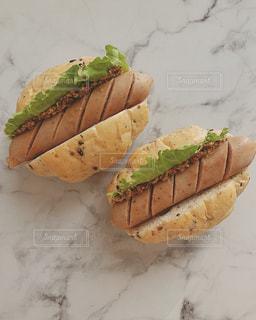 食べ物,風景,パン,ウインナー,サンドイッチ,食品,ソーセージ,お皿,物,アンバサダー,粒マスタード,ジョンソンヴィル