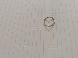 女性,指輪,影,結婚指輪,ハート,ノート,書類,リング,メモ,婚約指輪,陰,♡,紙,データ