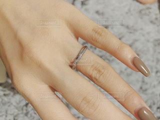 手を閉じるの写真・画像素材[2803996]